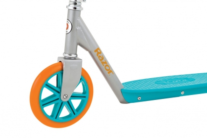 Berry Lux Scooter 1